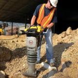 locação de compactador de solo tipo sapo a gasolina Pitinga